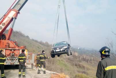 Casalduni: sbanda con l'auto, ferito 34enne