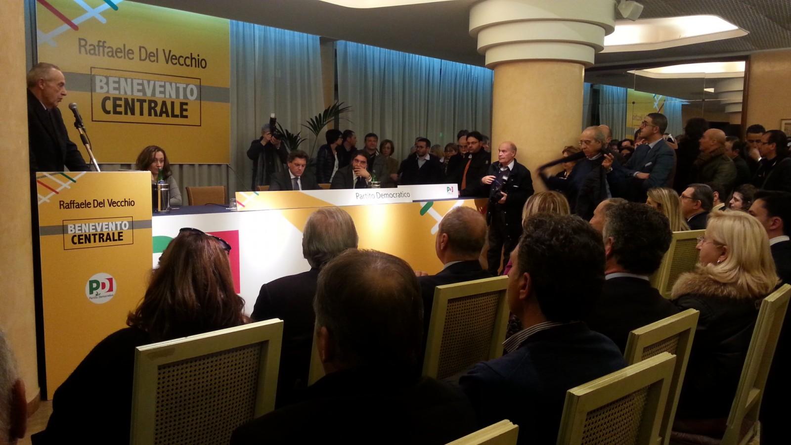 Umberto presenta Del Vecchio