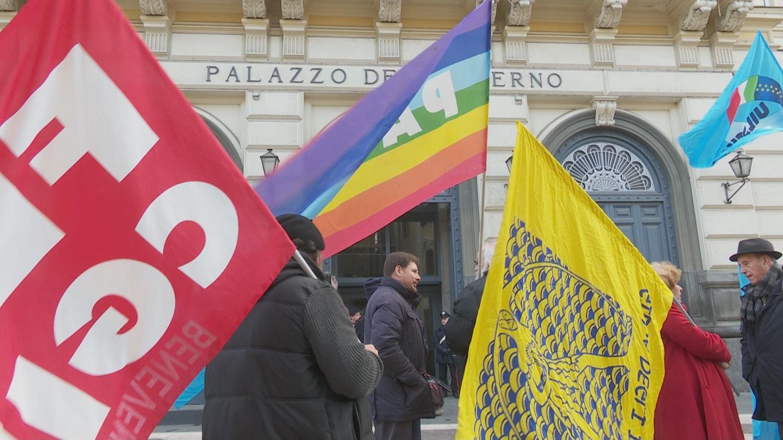 Precari, i sindacati chiedono garanzie