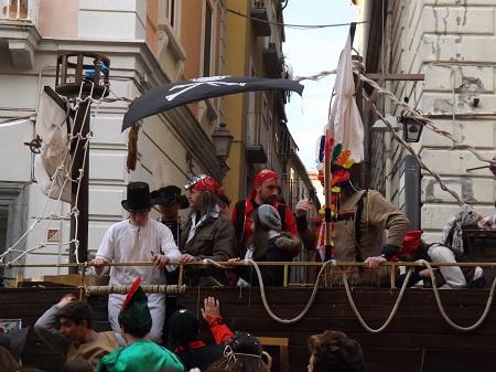 Avellino  Carnevale, domenica a corso Vittorio Emanuele sfilano i gruppi in maschera