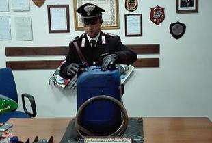 Ruba gasolio dall'azienda: arrestato 62enne