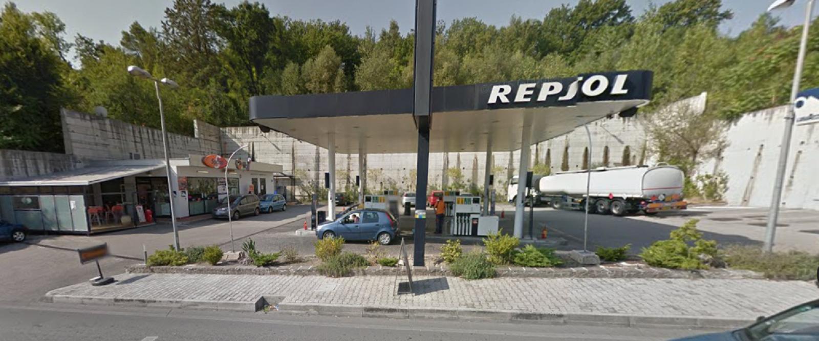Rapina alla Repsol di Via Bachelet : bottino 10 mila euro
