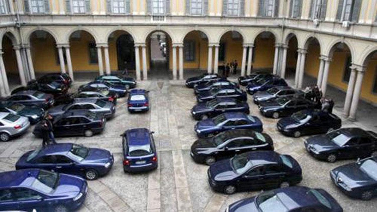 Uso privato delle auto blu: arriva il carcere