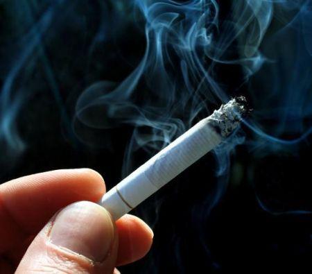 Nuova stangata per gli appassionati del fumo