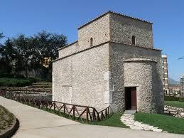 Aperture straordinarie per Pasqua e Pasquetta anche per Port'Aurea e Rocca