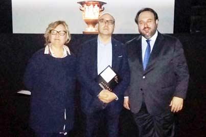 """Cesaro in visita alla mostra """"Stirpe di Draghi"""""""