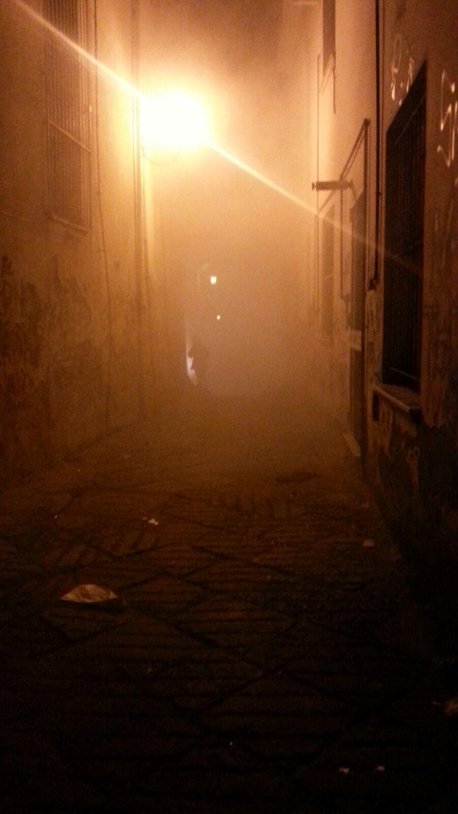 Fumo a via Sant'Antonio Abate