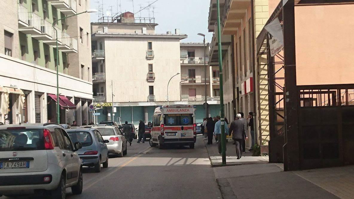 Via Ennio Goduti: pensionato investito da un'auto