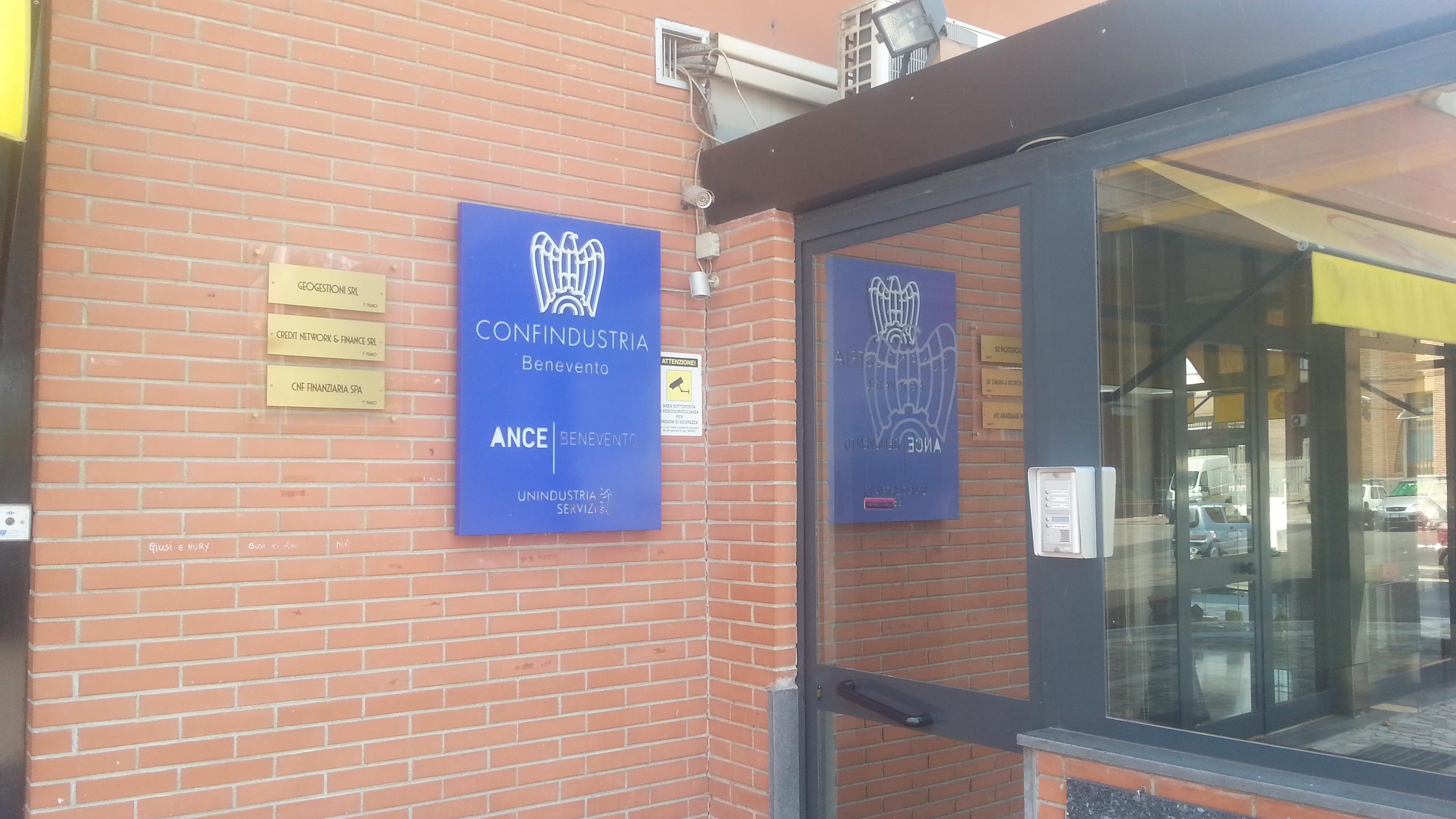 Confindustria incontra i candidati sindaco Mastella, Farese e Del Vecchio
