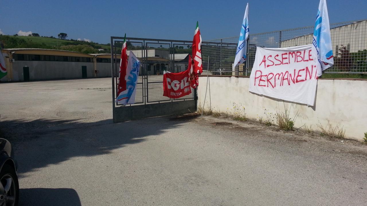 Quadrelle, sindacati: sciopero ad oltranza. Blocco mensa per le scuole