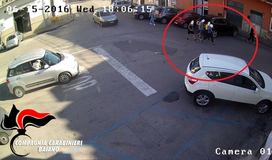 Parole pesanti su facebook. Ragazze picchiate in piazza a Baiano