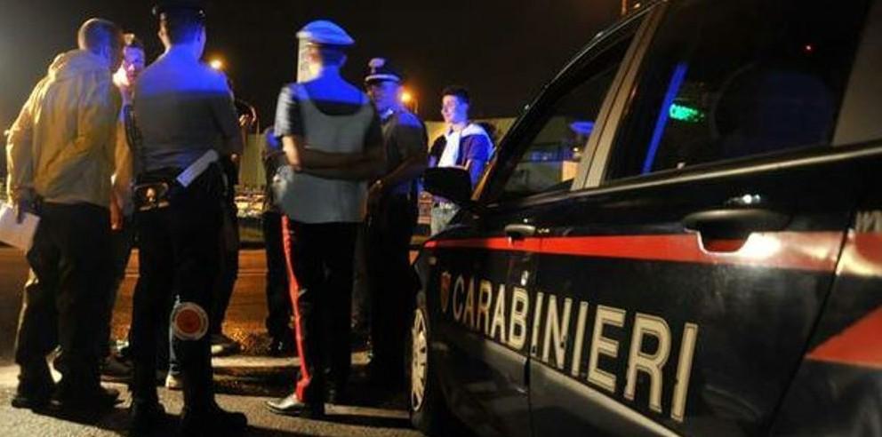 Cairano| Tranciano 160 metri di cavi elettrici ma scappano all'arrivo dei carabinieri