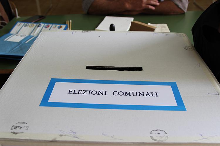 Elezioni amministrative, ecco tutti i candidati a sindaco nei 45 comuni irpini