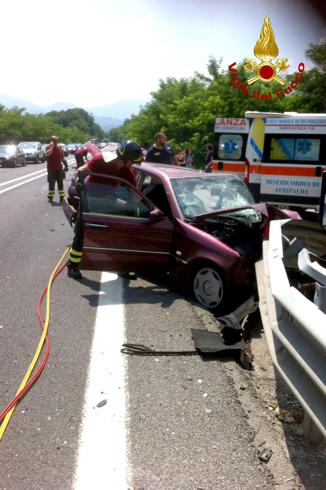 Tragico impatto a Manocalzati. Muore una 60enne.