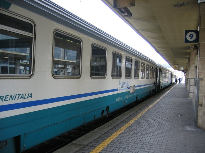 Indagine Trenitalia, in Campania treni puntuali