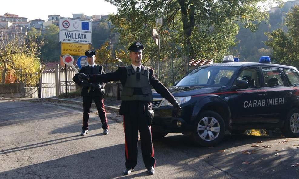 Il sindaco (carabiniere) sfratta i suoi colleghi