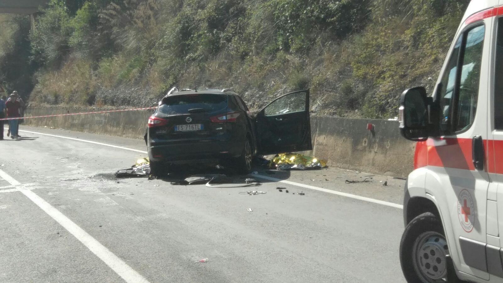 Auto contro Tir sulla Telesina: due morti