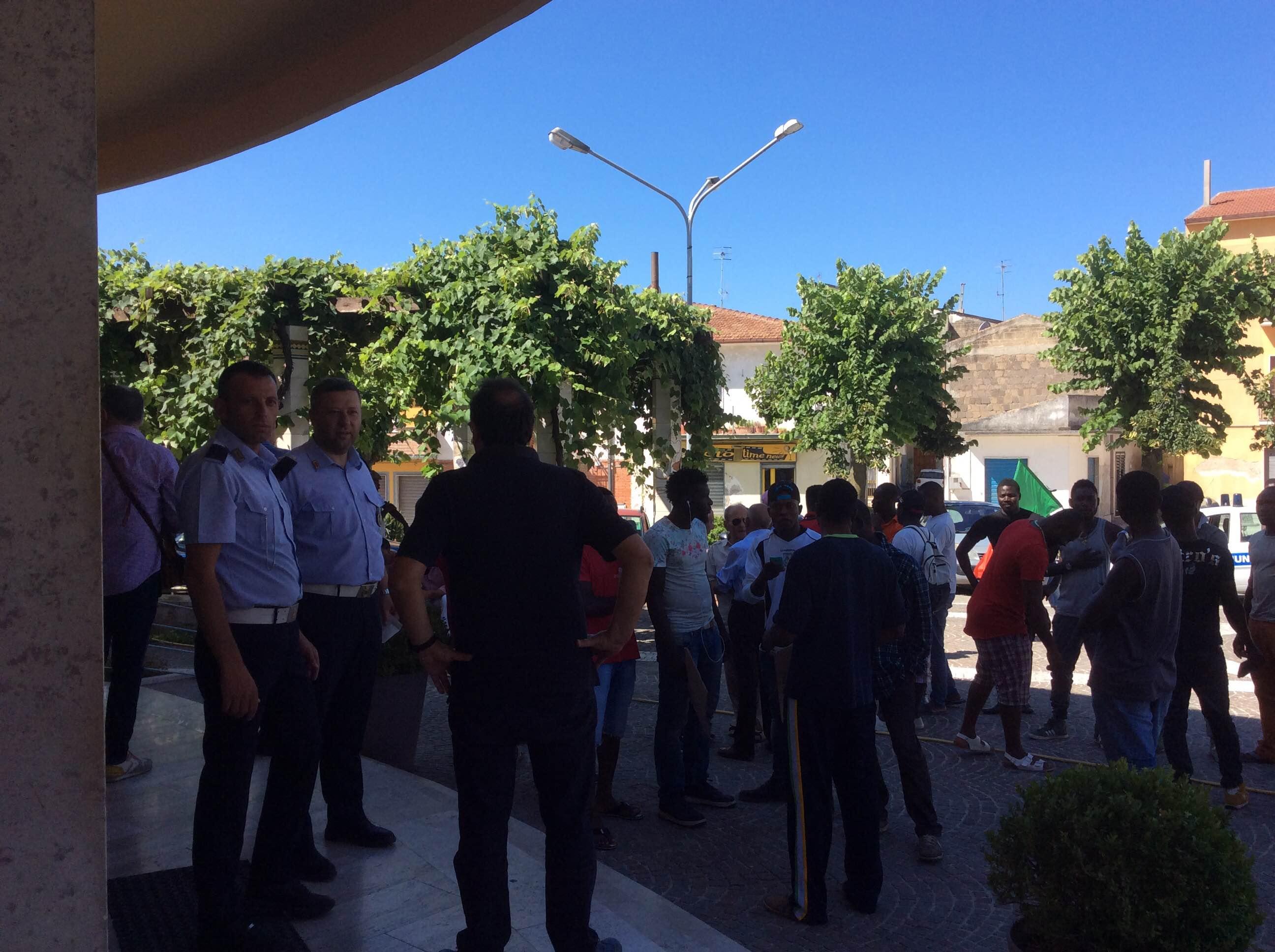 Migranti in protesta a Castelvenere