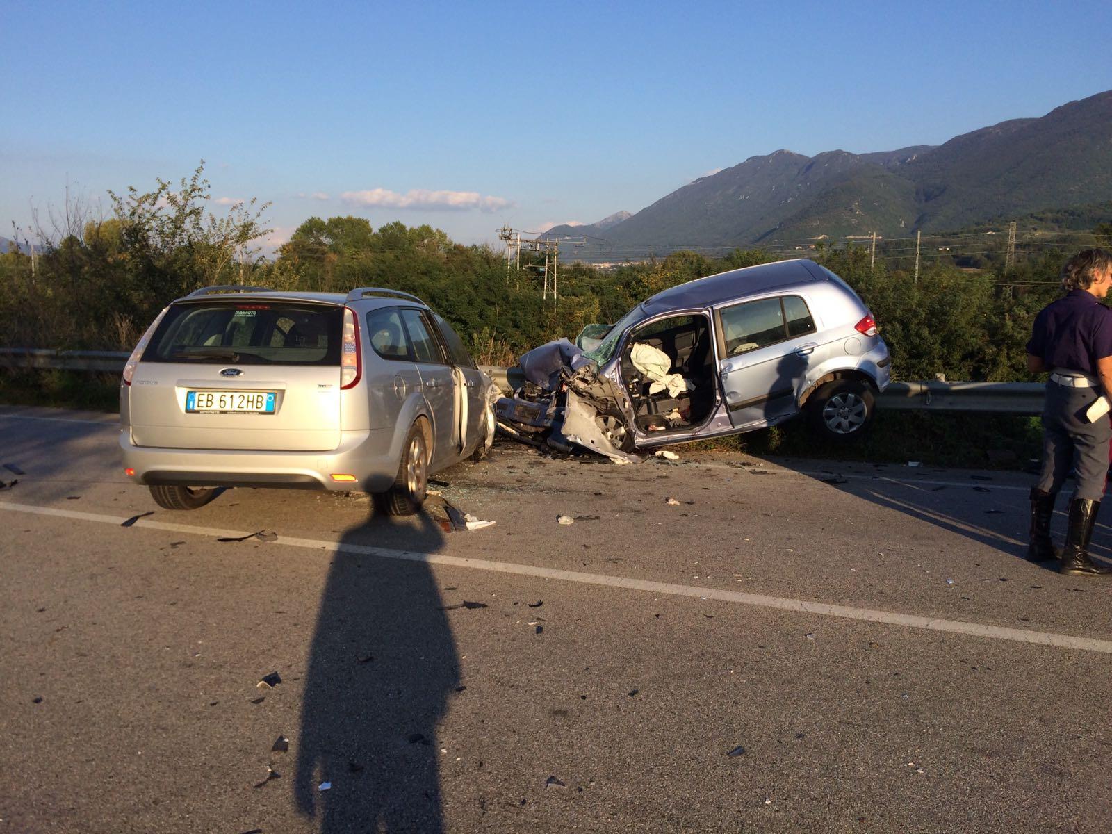 Amorosi| Bilancio tragico sulla Fondovalle Isclero: quattro auto coinvolte e uomo in fin di vita