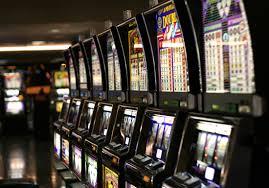 Roma| Gioco d'azzardo, via le slot machines da bar e ristoranti