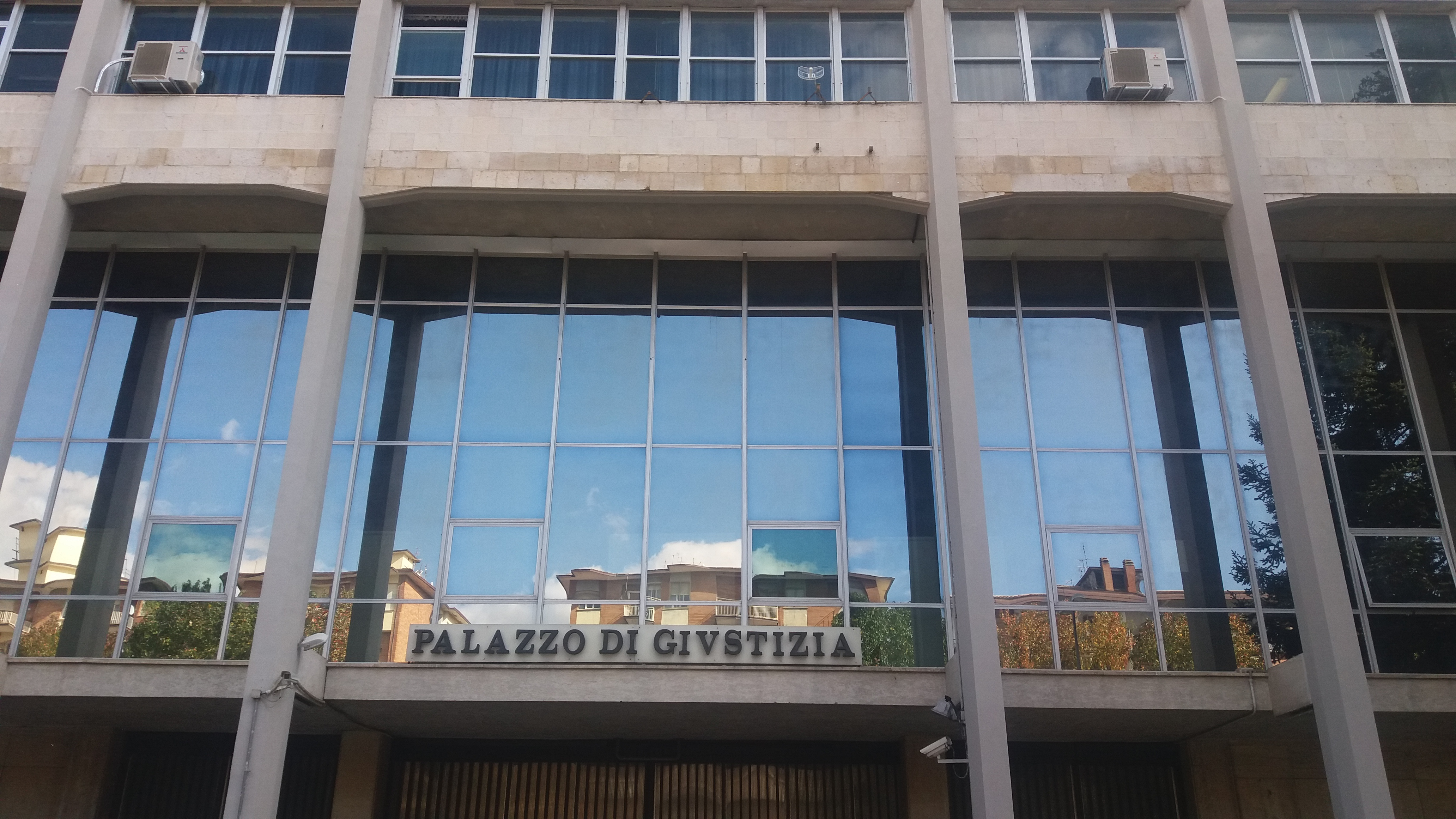 Avellino| Domiciliari confermati al prof stalker