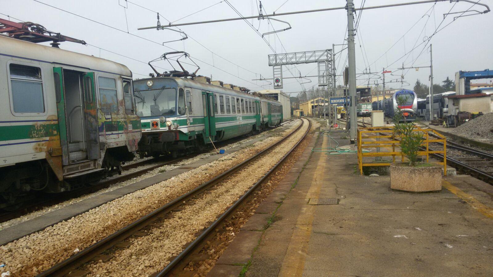 Benevento| Ferrovia Benevento-Napoli, l'agitazione prosegue