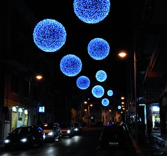 Avellino|1 euro sulla sicurezza e 0 sulla manodopera, Atb esclusa: saltano luci e Natale