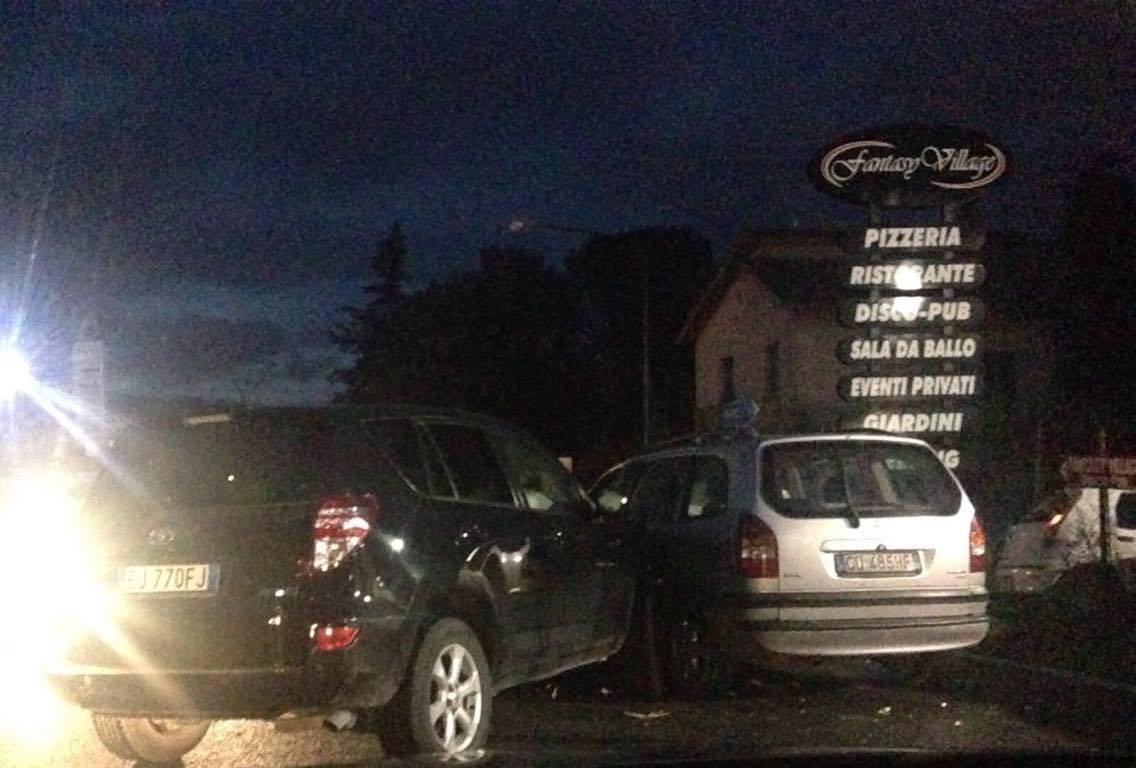 Apollosa| Tenta il sorpasso ma scivola e urta lo sportello di una Opel
