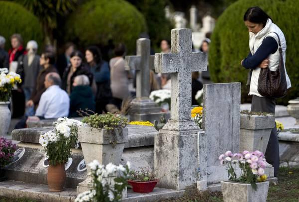 Benevento  Ordinanze cimitero, ecco le regole