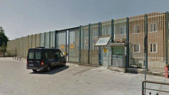 Avellino| Droga, soldi e telefonini per i detenuti intercettati anche nel carcere di Bellizzi, il Sappe: subito i body scanner