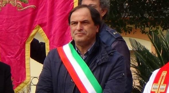 Calitri| Rifiuti speciali, Il sindaco Di Maio nel registro degli indagati
