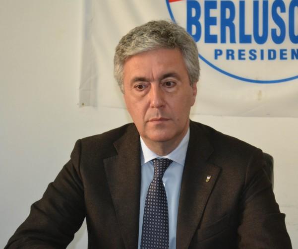 """Sibilia(FI): """"Anche ad Avellino ha vinto la Costituzione. Grazie Berlusconi"""""""