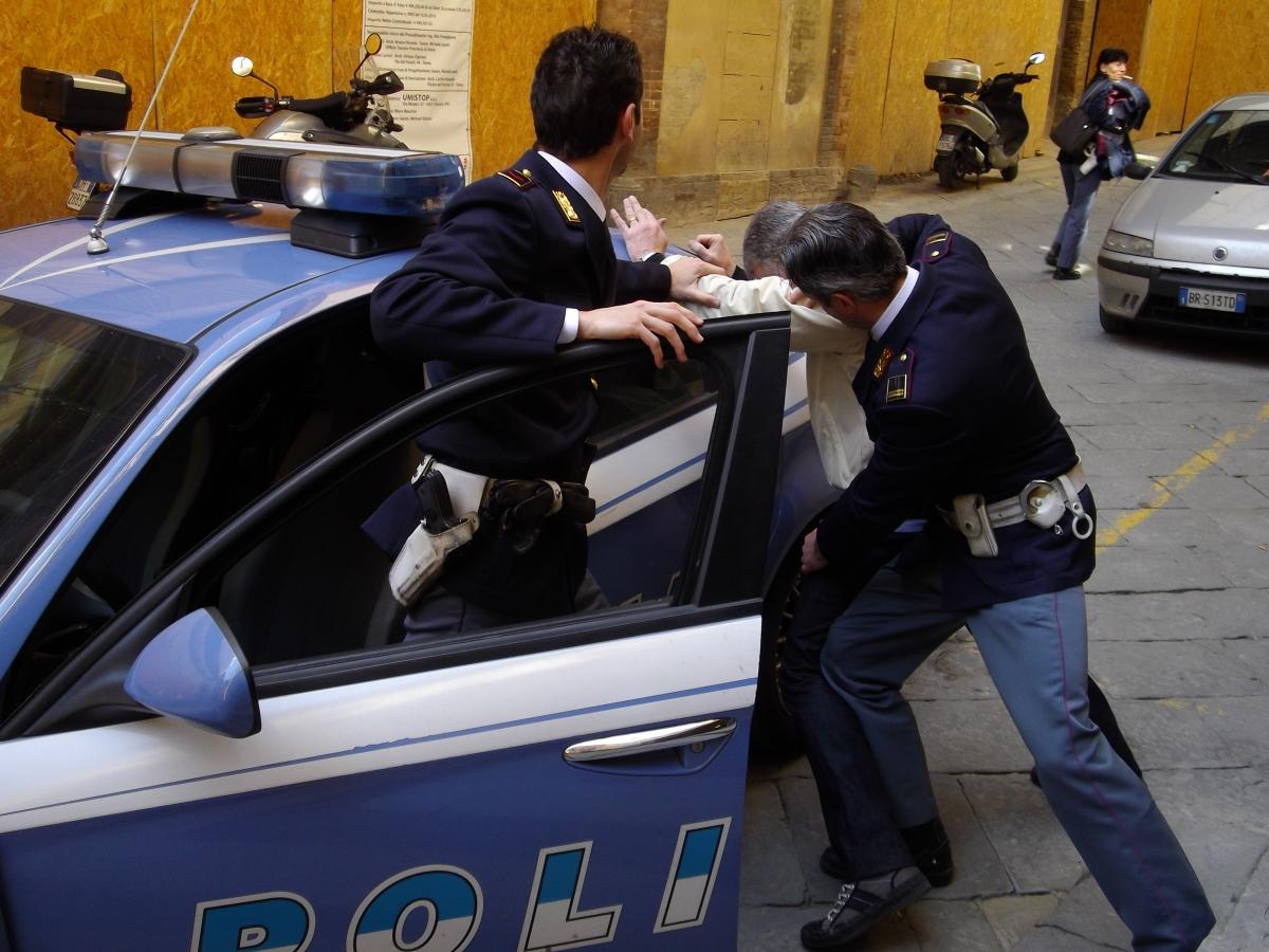 Benevento| Gestione centri migranti: anche funzionari pubblici tra i 5 arrestati