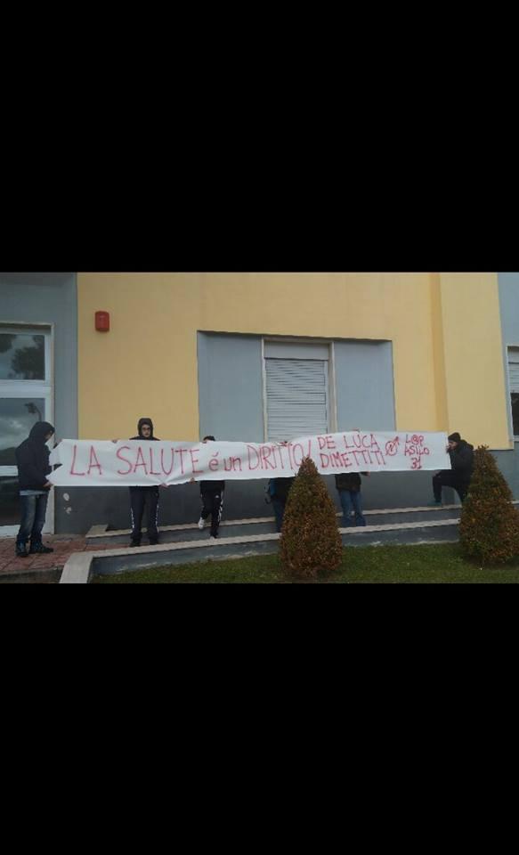 Benevento  Antagonisti contro De Luca. Protesta anche a Benevento