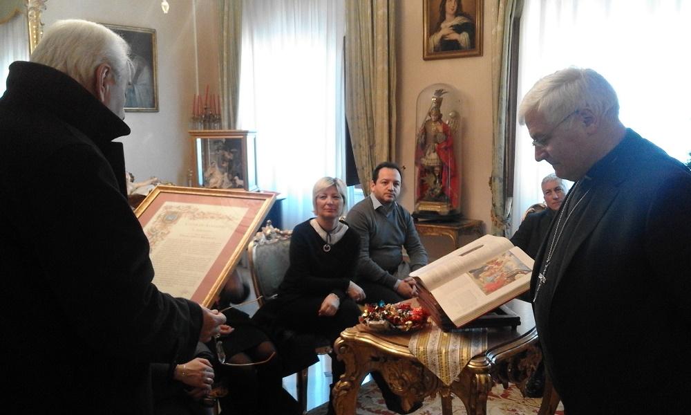Avellino| Il Vescovo Marino saluta la città. Foti: resta riferimento