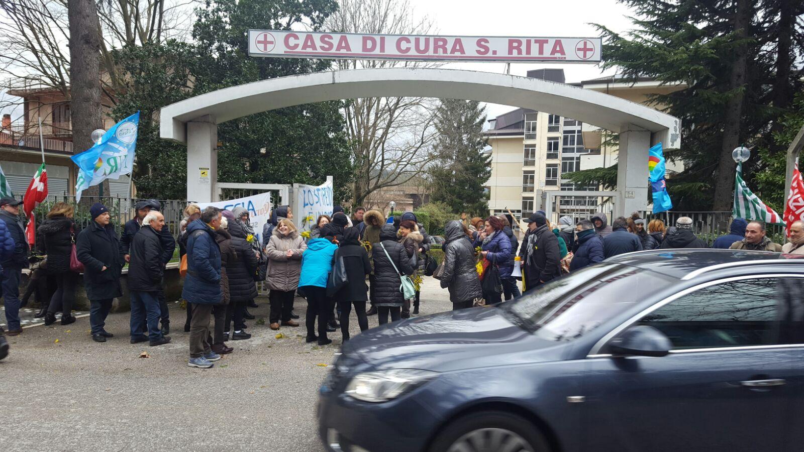 Atripalda  Sciopero alla Clinica Santa Rita: Taccone sotto accusa