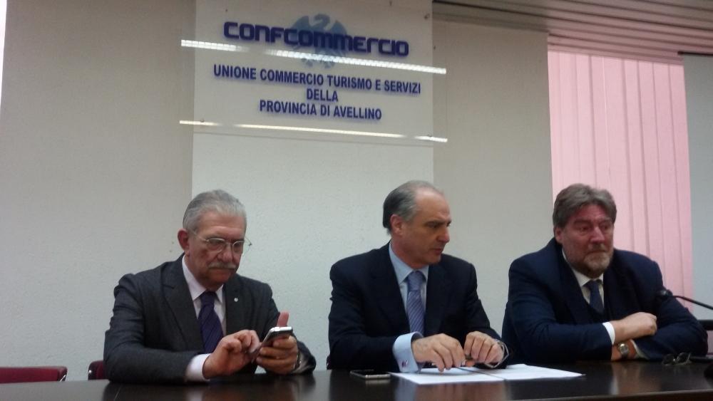Avellino| Commercio dimenticato: accuse al Comune