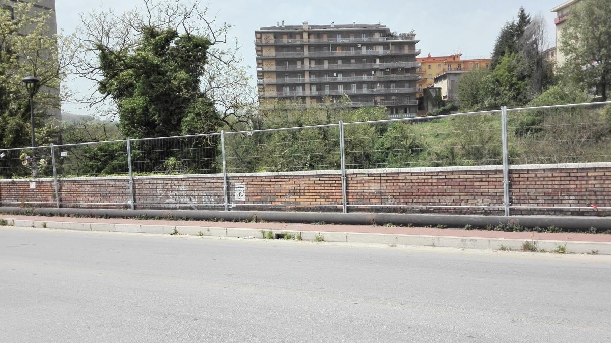 Avellino| Ragazzino prova a scavalcare il ponte: paura in città