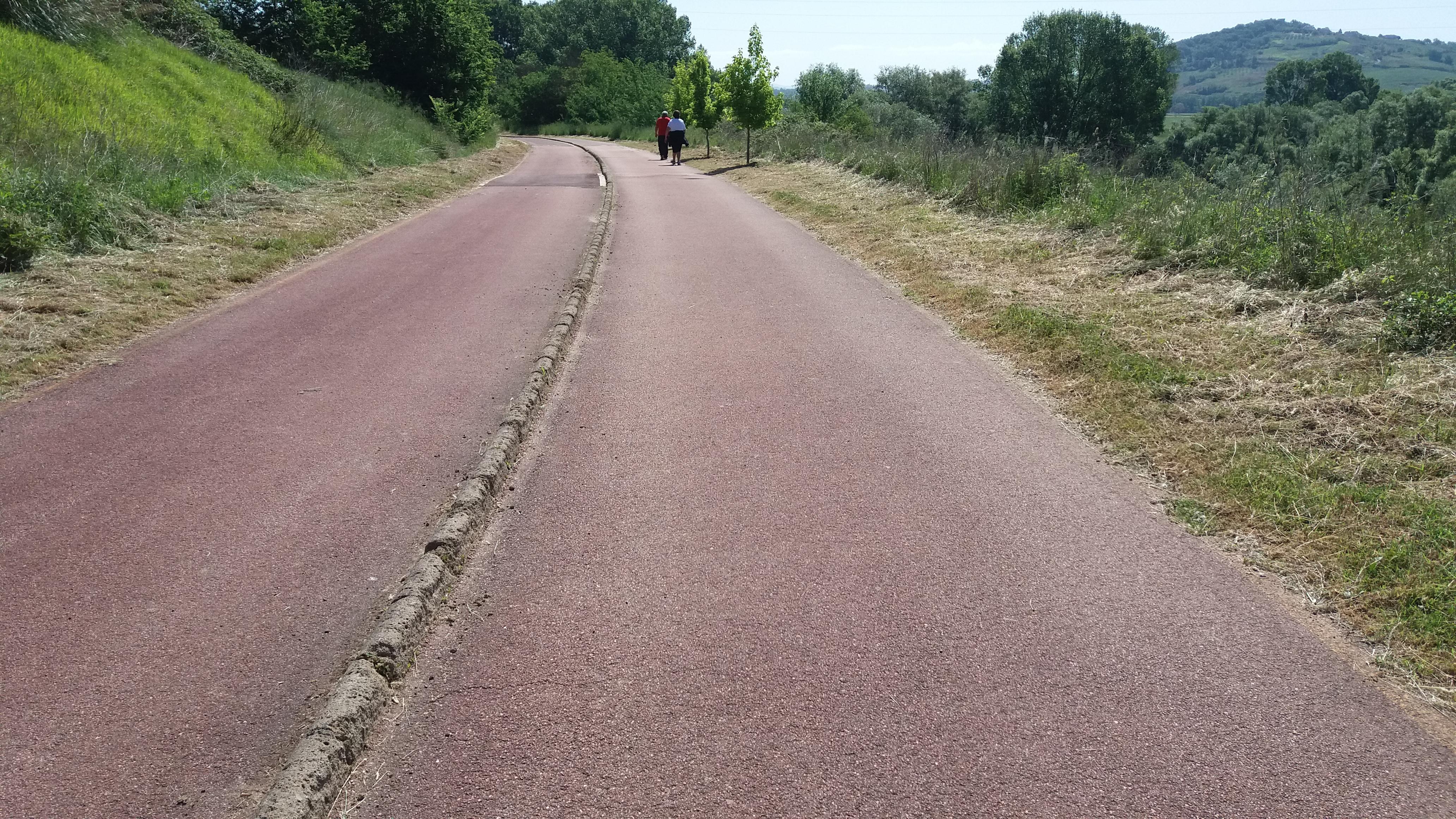 Benevento| Pista ciclo-pedonale ripulita, ma solo in parte