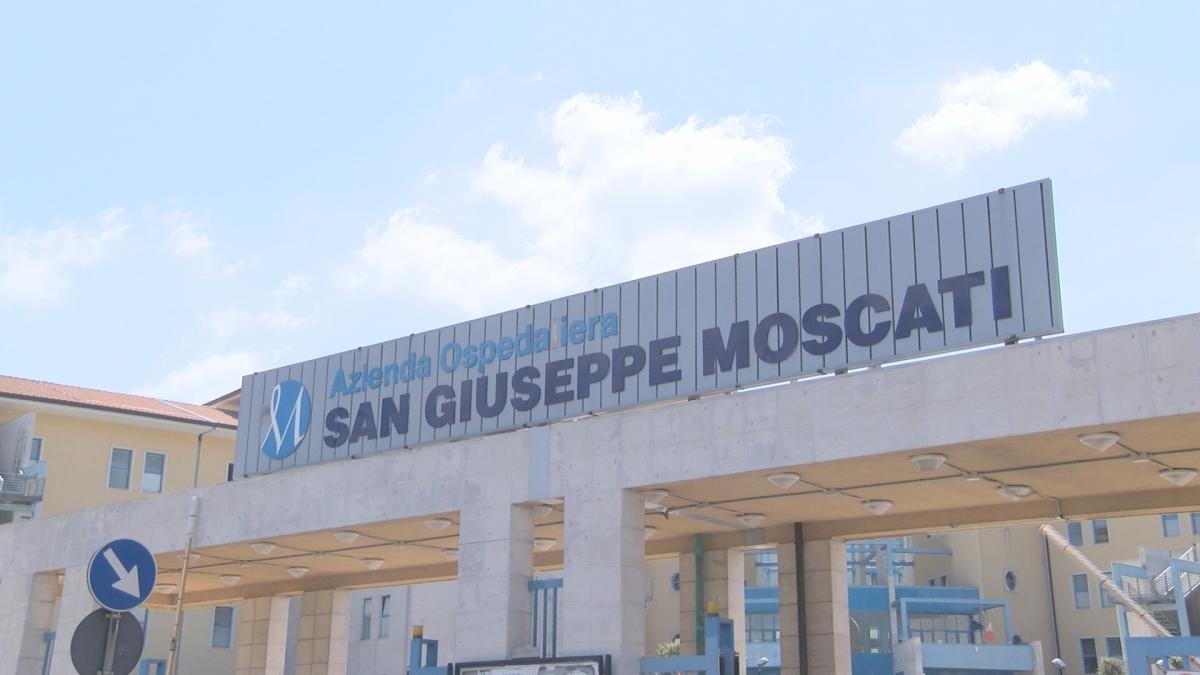 Moto contro camion a Manocalzati, ancora gravi i 2 fidanzati: gamba amputata al ragazzo