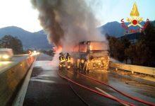 Solofra  Bus in fiamme, 30 musicisti salvi per miracolo sul Raccordo