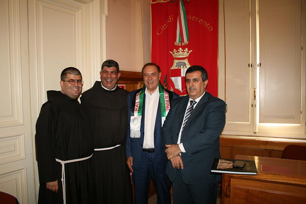 Dopo San Giorgio del Sannio tappa a Benevento per sindaco e frate di Betlemme