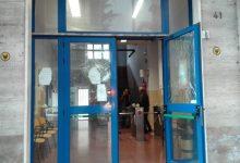 Avellino  Sasso sfonda ingresso sede Alto Calore