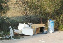 Apollosa| Abbandono rifiuti su strada, gli attivisti chiedono le telecamere contro inzivados