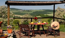 Covid, Coldiretti campania: tavoli esterni salvano 700 agriturismi