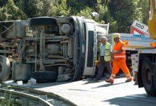 Mirabella Eclano  Tir si ribalta, traffico paralizzato sulla statale 90 Delle Puglie