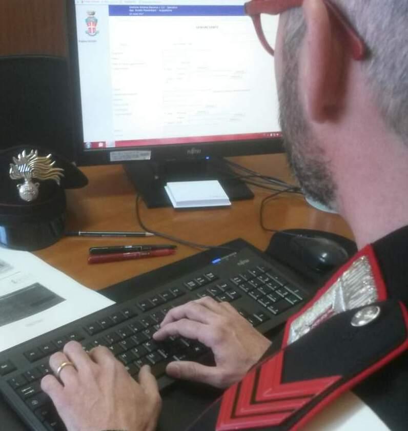 Ruba i dati della carta prepagata ed effettua acquisti online, 60enne denunciata per truffa ai danni di una cittadina di Morra de Sanctis