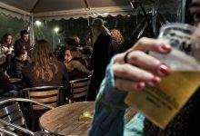 Movida, nuova ordinanza di De Luca: alcolici da asporto fino alle 22