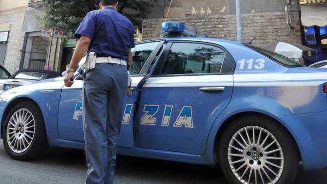 Detenzione abusiva di armi, 2 arresti nel Vallo. Ad Avellino 47enne in manette: nascondeva cocaina dietro un quadro