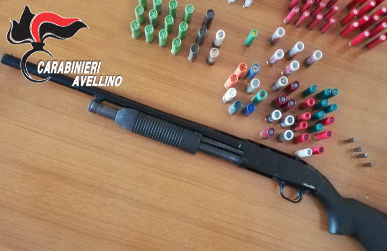Baiano| Fucile a pompa con matricola abrasa nascosto in casa, in manette 55enne